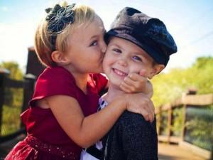 Kissing-cute-love-hd-wallpapers