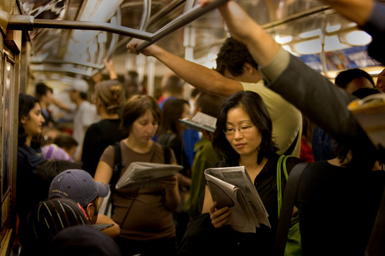 asian_reader_subwayNYC