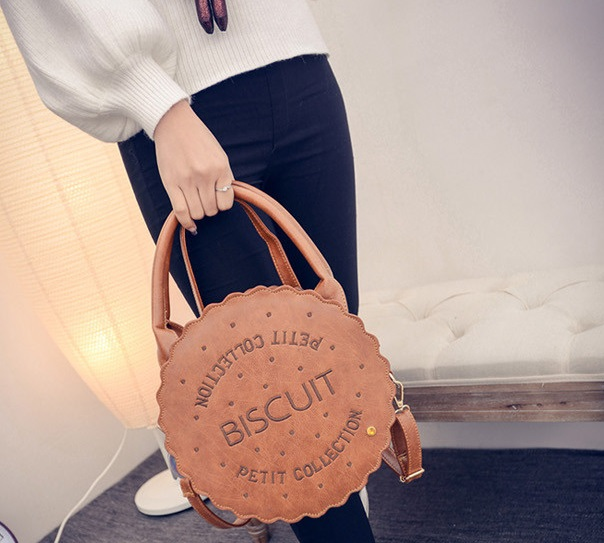 10 biscuit shaped handbag