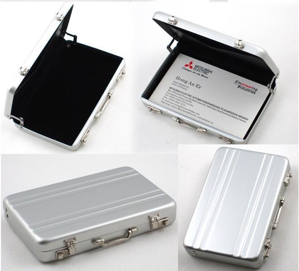Aluminum-Business-Card-Holder-For-Men