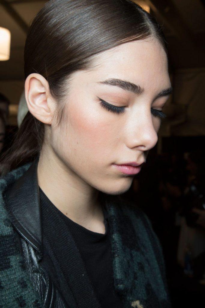 Extend eyeliner