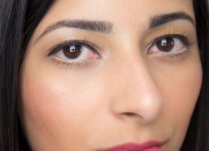 nude eyeliner-compressed