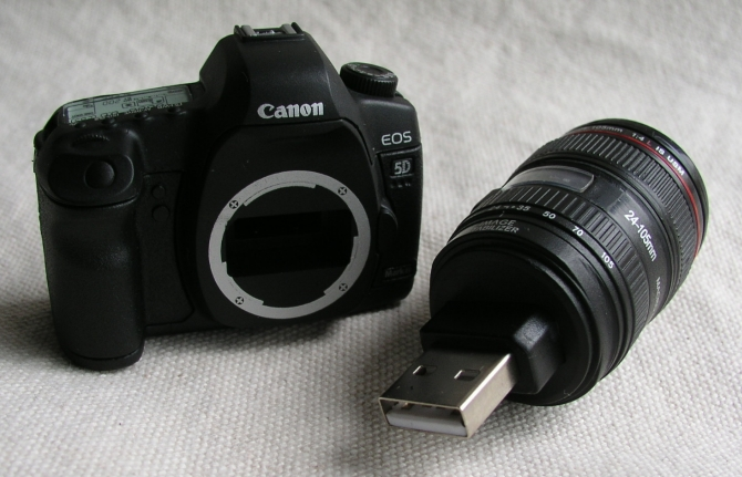 canon-5d-mark-ii-4gb-usb-flash-drive-02
