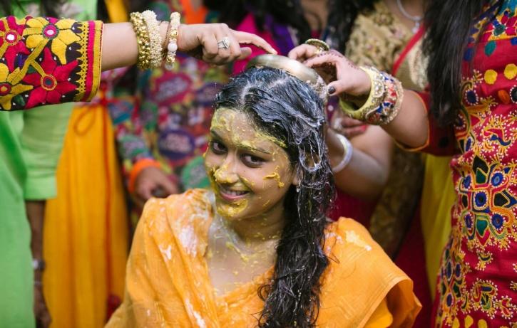 haldi-ceremony-big-image-1_1433324482_725x725
