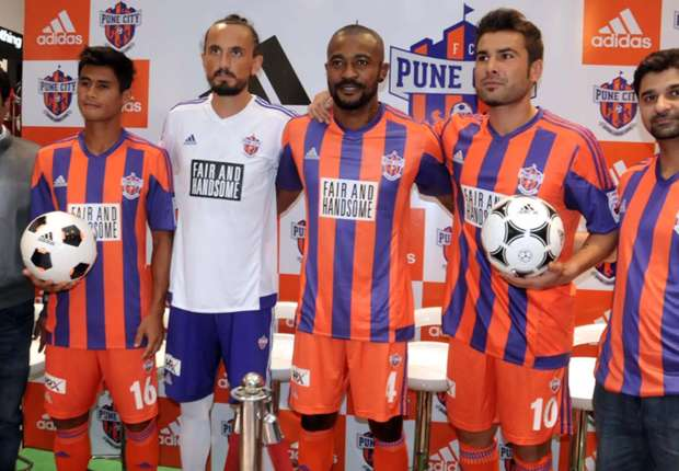 eugeneson-lyngdoh-tuncay-sanli-didier-zokora-adrian-mutu-fc-pune-city-at-the-jersey-launch_1t2r7pmr4a8q61uws97h0l2feb