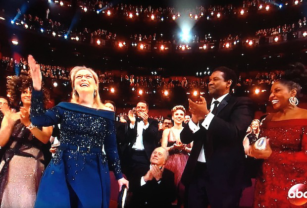 meryl-streep-standing-ovation-oscars-moments