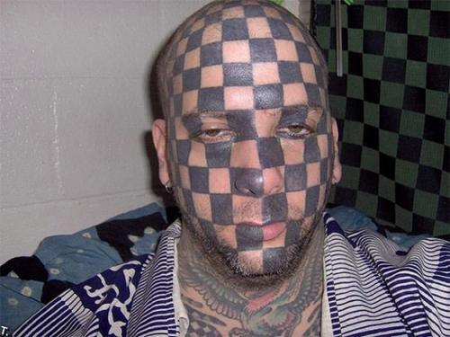 01-Checkered-Face