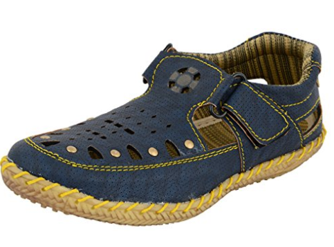 ESSENCE Boys' Outdoor Sandals, Rs 499 on Amazon