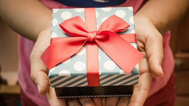 01-Great-Ideas-for-Customised-Gifts