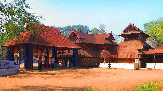 03-Kodungallur-Sri-Kurumba-Bhagavathi-Temple