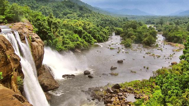 06-Athirapally-Falls