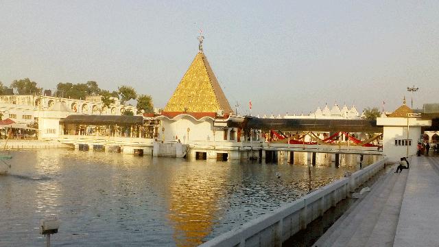 06-Devi-Talab-Mandir