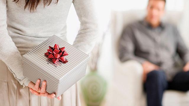 1-Wedding-Anniversary-Gifts