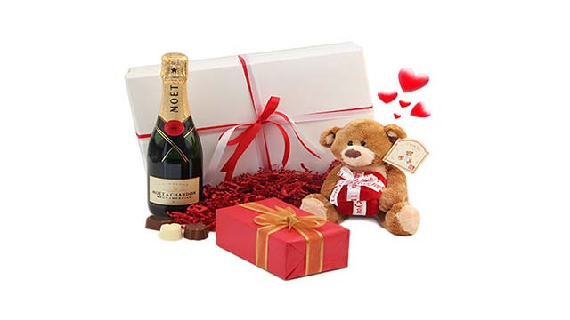 7-Birthday-Hamper-From-Archies
