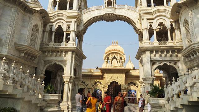 9-Shri-Krishna-Balaram-Mandir