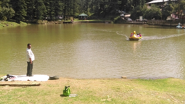Take-A-Boat-Ride-In-Dal-Lake