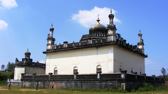 15-Gaddige-Raja's-Tomb