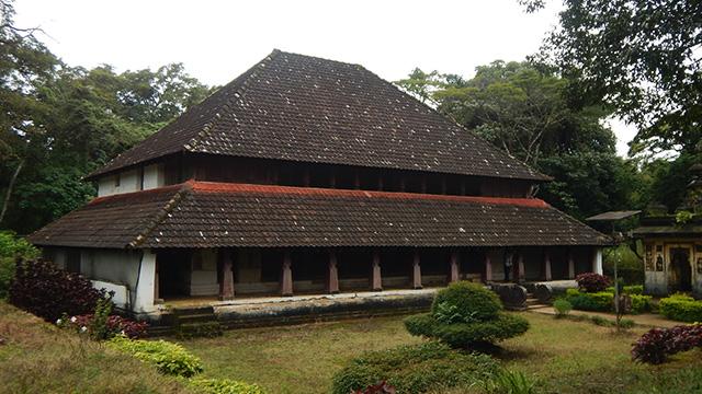 16-Nalakunad-Palace-b