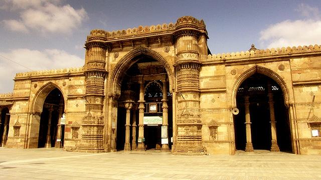 17-Bhadra-Fort-&-Teen-Darwaza