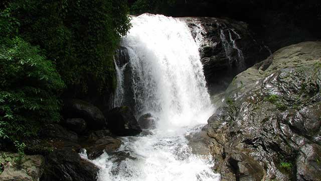 5-Lakkom-Water-Falls