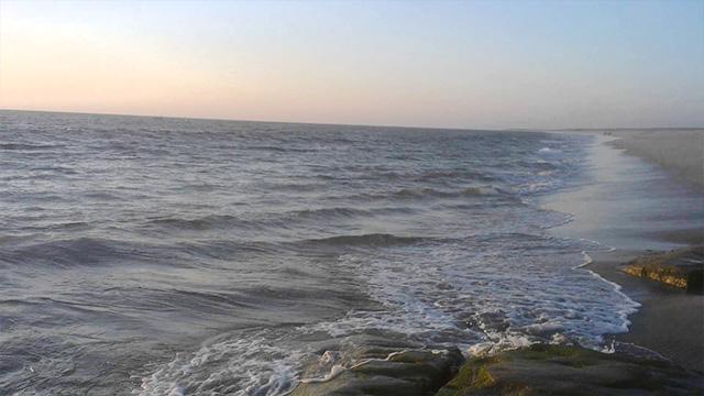 8-Devka-Beach