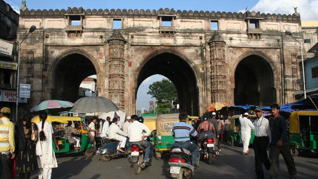 तीन दरवाजा बाजार, Teen Darwaza is one of the tourist places in gandhinagar