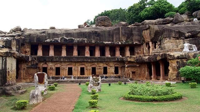 Udayagiri-and-Khandagiri-Caves