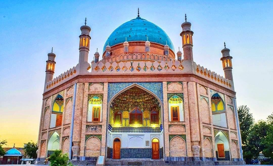 अहमद शाह का मकबरा अहमदाबाद में जाने के लिए अद्भुत जगहें