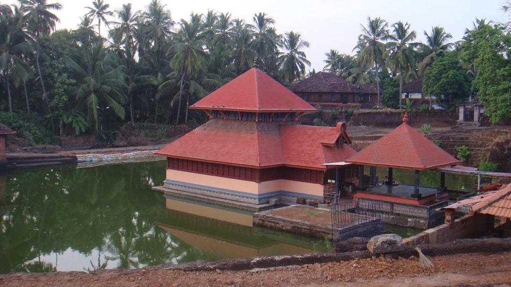 चट्टानिककारा मंदिर एर्नाकुलम में जाने के लिए जगह