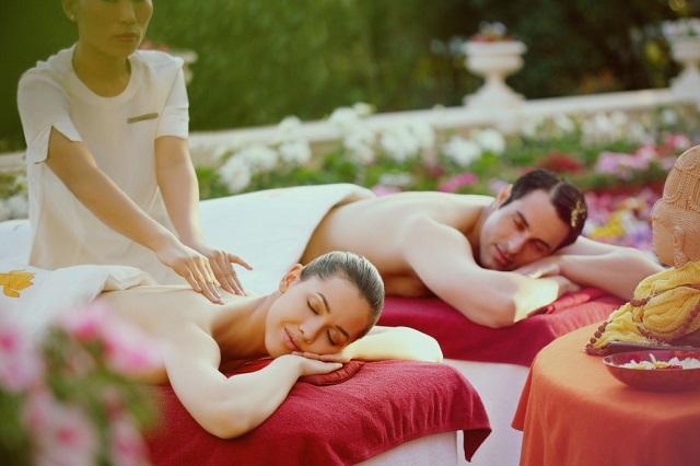 A Pampering Couple Massage