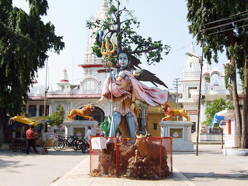 पावक्कुलम महादेव मंदिर एर्नाकुलम में जाने के लिए जगह