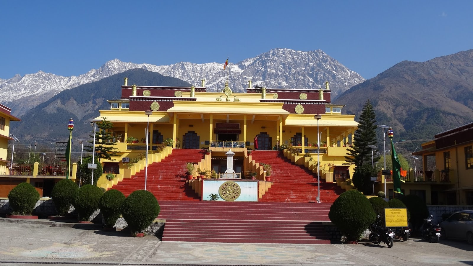 ग्यूतो मठ, Gyuto Tantric Monastery Temple is one of the tourist places in Dharamshala