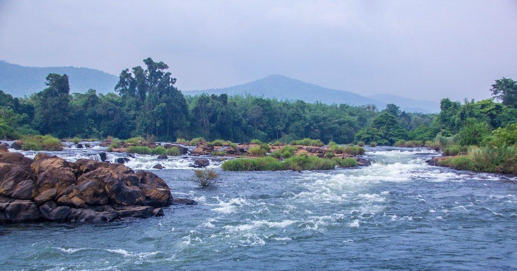पनिएली पोरू एर्नाकुलम में जाने के लिए जगह