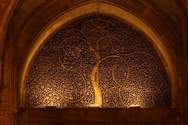 सिदी सैय्यद मस्जिद अहमदाबाद में जाने के लिए 19 अद्भुत जगहें