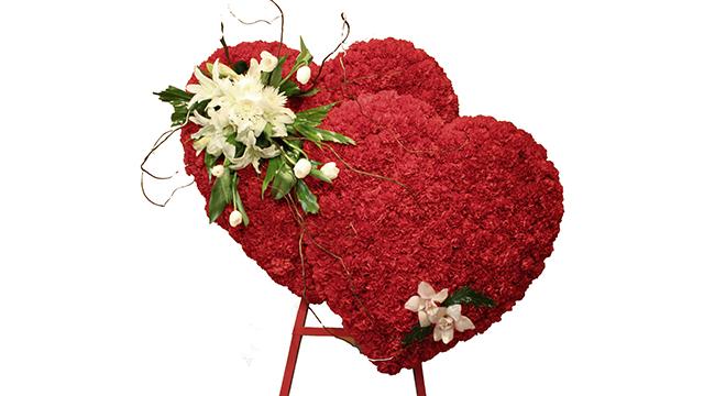 Twin-Heart-Rose-Arrangement