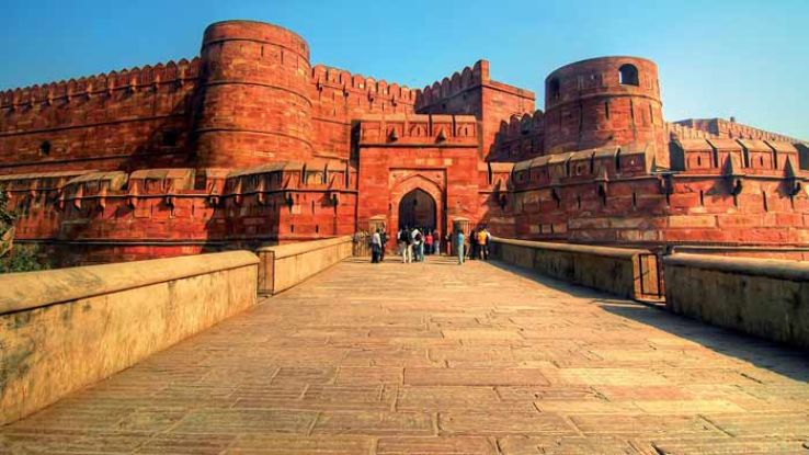 आगरा किला आगरा में जाने के लिए आश्चर्यजनक जगहें