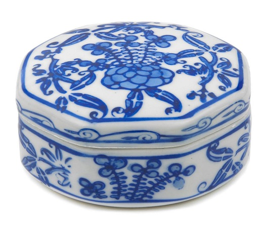 Porcelain Jewellery Box to Preserve Memories