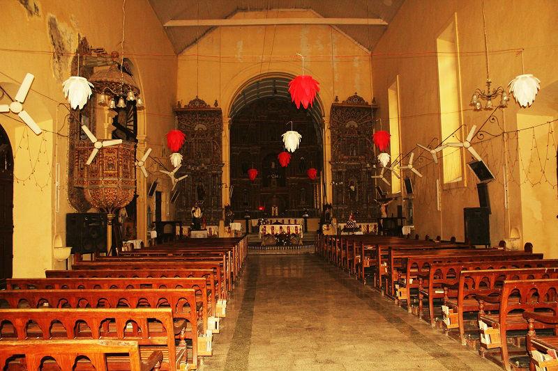 बोम जीसस चर्च दमन और दिउ में यात्रा के लिए सर्वोत्तम स्थान