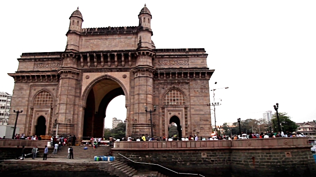 गेटवे ऑफ इंडिया, Gateway of India is one of the tourist places in mumbai