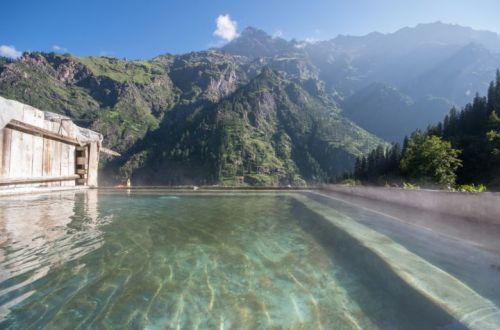 वशिष्ठ बाथ मनाली में जाने के लिए आकर्षक जगह