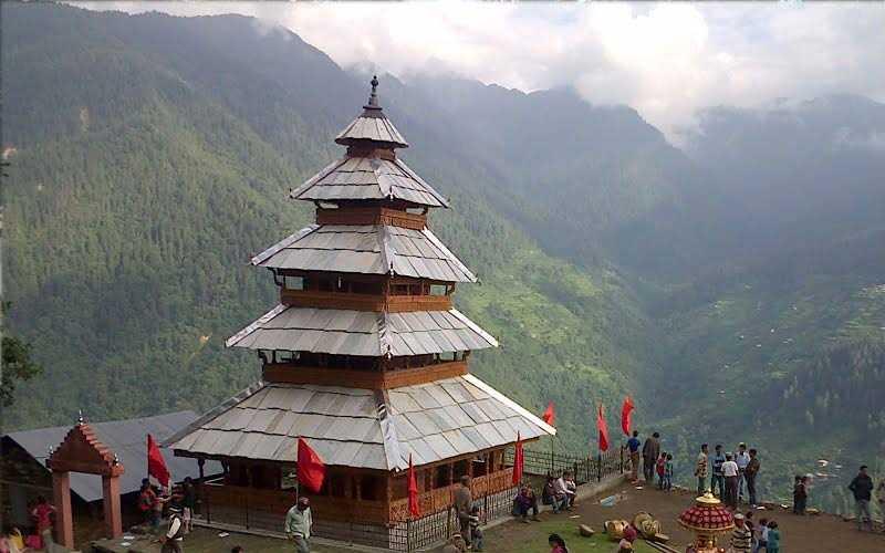 मनु मंदिर मनाली में जाने के लिए आकर्षक जगह