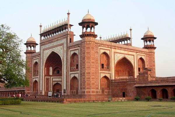 ताज संग्रहालय आगरा में जाने के लिए आश्चर्यजनक जगहें