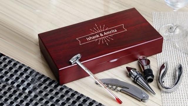 Classic Personalized Wine Accessory Kit (6 pcs)