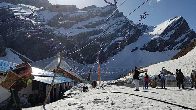 Auli - Snowy Dehradun Hill Station