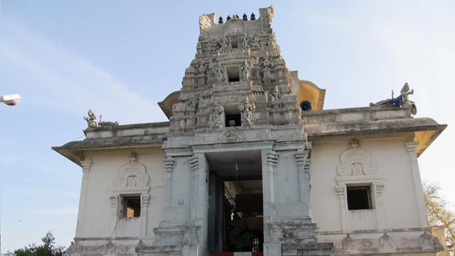 Kumaran-Kundram-temple