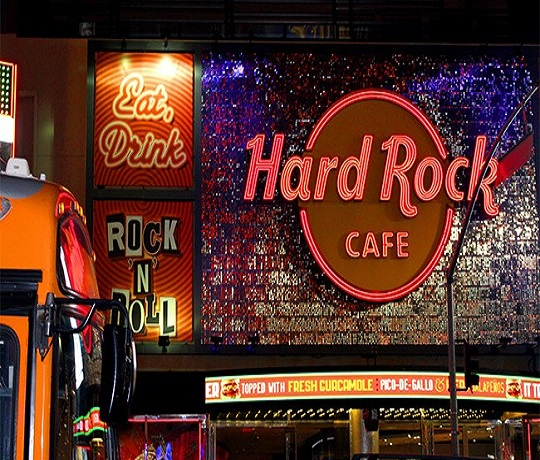 Hard Rock Café To Pay Tribute To Freddie Mercury