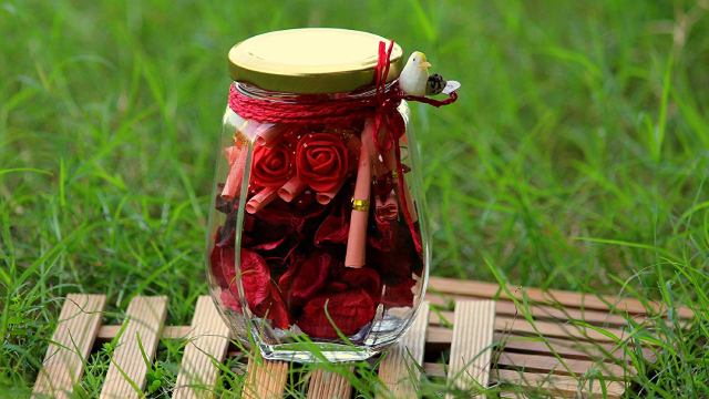 Decorative Mason Jars filled with Message Cards