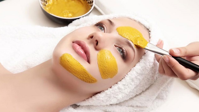 Lemon and Turmeric Face Pack