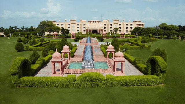 The Gold Palace And Resorts - Resort near Delhi