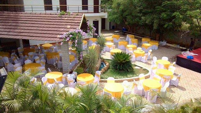 Golds-Club-& Resort1